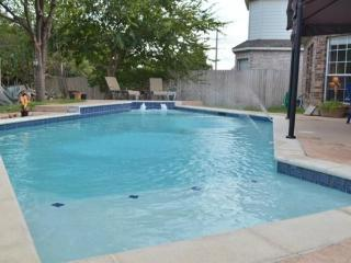 Immaculately well maintained large family home, Arlington