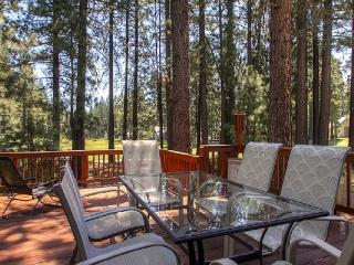 #192 COTTONWOOD Outstanding home on 16th Fairway of Plumas Pines Golf Resort $240.00- $275.00 BASED ON 4 PERSON OCCUPANCY AND NUMBER OF NIGHTS (plus county tax, SDI, and processing fee), Plumas County