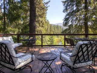 #306 SEQUOIA Gorgeous home overlooking the Feather River $260.00 - $295.00 BASED ON 4 PERSON OCCUPANCY AND NUMBER OF NIGHTS (plus county tax, SDI, and processing fee), Plumas County