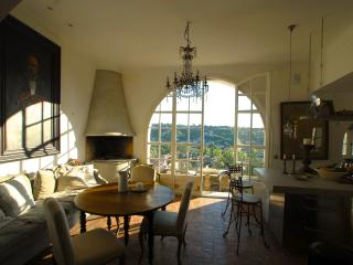 Super Home with Terraces - Ideal for Food Lovers!, Cagnes-sur-Mer