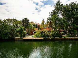 Island Villa on Canal by beach, Longboat Key