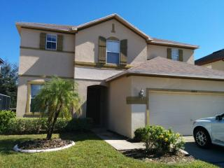 Large 4 bed pool home close to Disney, Clermont