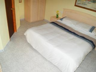 B 'n' B for 2 in Finca Isastella Guest Room, Villajoyosa