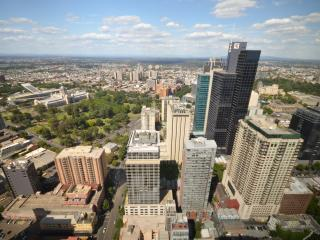 Modern CBD Views Penthouse 2Bedr/2BA apartment, Melbourne