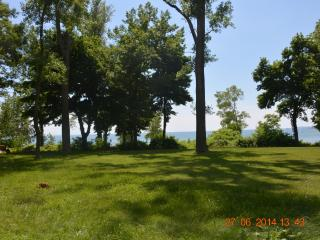 Spectacular Beachfront Home - Available all Year, Stevensville