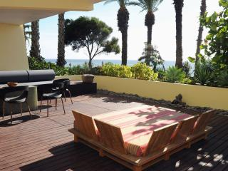 LUXURIOUS HOME, STEPS AWAY FROM THE OCEAN, Funchal