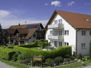 Vacation Apartment in Kressbronn am Bodensee - 635 sqft, 1 bedroom, max. 3 people (# 6203)