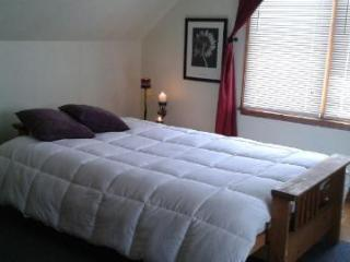 Two private bedrooms and full bath on second floo, Cincinnati
