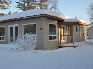 Wasaga Beach Cottage newly renovated and newly fur
