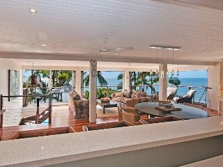 Beachfront with magic views over the Coral Sea, Port Douglas