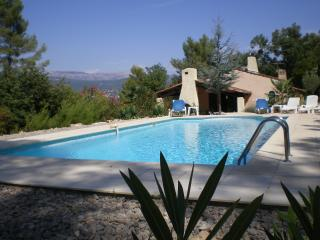 Tourrettes / Fayence Var Sleeps 8.