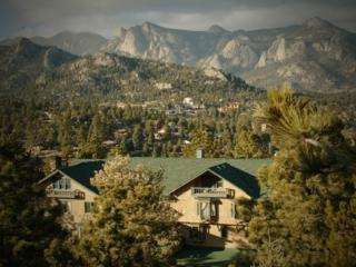 The Historic Crags Lodge - Stunning Studio, Estes Park