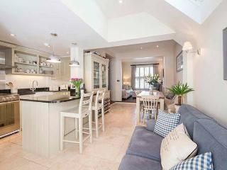 Beautiful 3 Bedroom House Fulham, London