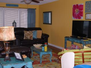 ** H & A SANDBOX**2 Bedroom 2 Bath**PET FRIENDLY, Gulf Shores