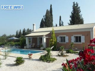 Secluded 2 bedroom villa with private pool, Corfu Town