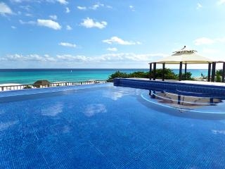 Panoramic Ocean Views Luxury Villa!, Playa del Carmen