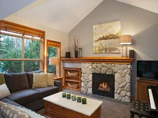 Close to Ski-in/Ski-Out Access, Fireplace, Flat Screen, BBQ, Private Hot Tub, Whistler