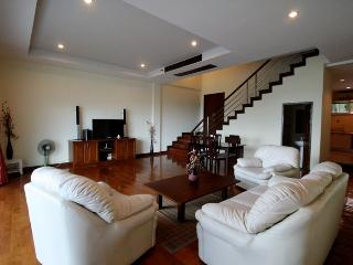 Thownhouse for rent in Kata Beach, Phuket