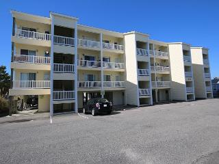 Tropical Winds B3 - Oceanview condo, open and spacious floor plan, community, Carolina Beach