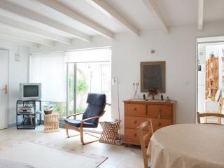 Nice house between beaches and city, La Rochelle