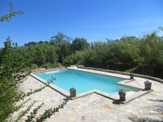 TYPICAL 'MAS PROVENCAL' WITH SWIMMING POOL, Aubignan