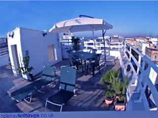 Sea view central apartment, Ostuni