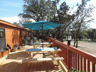 Mini-Resort Rooms in a Hill Country Hideaway, Boerne