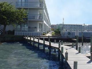 Bay View Only Steps to Beach ! Free WiFi!, Ocean City
