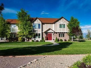 Amazing 3,900 Sq Ft Custom Home on 1+ Acre in the, Grand Junction