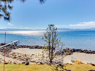 Lakefront condo complex, private beach!, Tahoe Vista