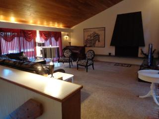 Charming Rental 3 Miles From Mt. Mansfield, Stowe