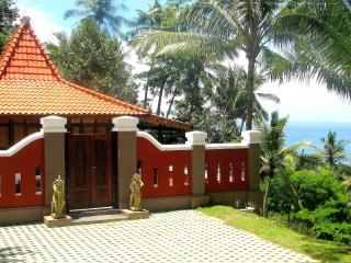 Charming Javanese Joglo with Seaview, Lombok