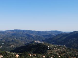Lovely Home in the Hills above Nice - Great views, Berre-les-Alpes