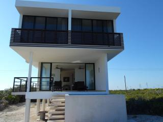 San Benito Beach front house, Chicxulub