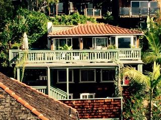 Lovely Victoria Beach 2br Overlooking Access, Laguna Beach