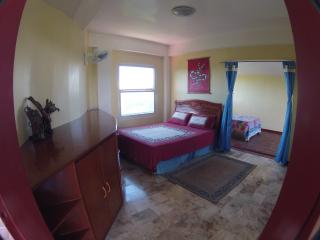 Breezy Apt with Ocean views Sabang /Puerto Galera
