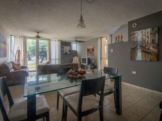 Corner unit townhouse in Camino del Mar w/ wifi, Cabo Rojo