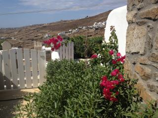 HELEN HOUSE-Minimal Perfection, Mykonos Town