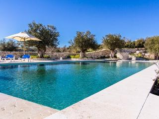 LUXURY VILLA HENA, Giarratana