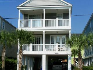 Directly Across from the beach! 5br private pool, Surfside Beach