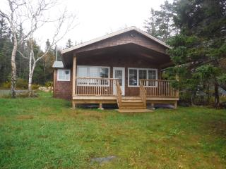 Cottage Home on Porters Lake, Three Fathom Harbour