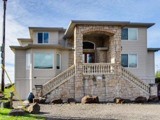 Oceanfront, pet-friendly home with private hot tub, Rockaway Beach