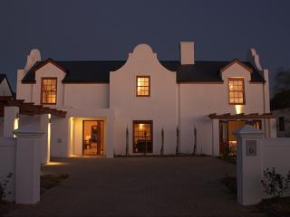 Cape Style Villa in Wine Estate, Somerset West