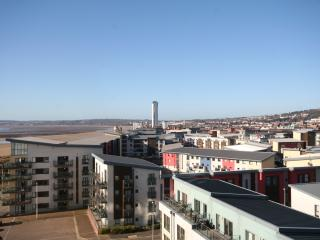 One Bedroom Apartment- Sea & Dock Views- Aurora, Swansea