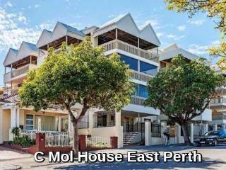 C Mol House in East Perth