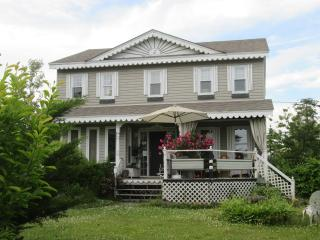 The IN House, Musical B & B and Gallery, Head of Chezzetcook