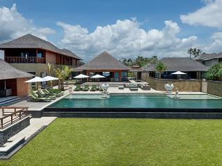Bayu Gita Beach Front - an elite haven, Ketewel