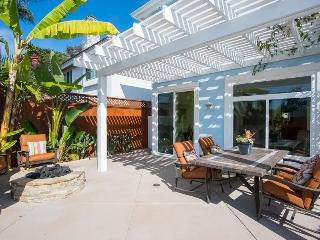Just Blocks from Beach and Downtown Encinitas!