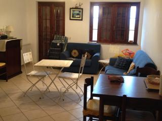 2 bed apartment in quiet complex, Scalea