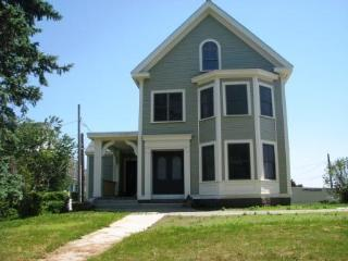Beachmont: 0.2 miles from Cressy Beach, Gloucester